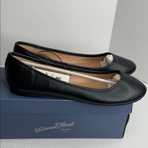 NWT Universal thread vegan black flats size 9 1/2